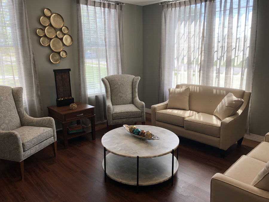 serenity suites family gathering room 2019
